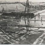 In 1920 werd begonnen met de aanleg van het Maas-Waal kanaal. Dit was het begin van de sluisbouw. Foto gemaakt in 1923. Foto 127