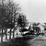Rijksweg en Dorpsstraat in Malden omstreeks 1915.