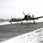 Twee Tempests van het 274e squadron. Op de achtergrond het huis van de familie Groenen en het stoppeler bos. RAF museum 6049-1